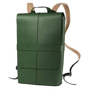 429969c9146 leren rugzak groen Het merk Brooks maakt ook mooie ...